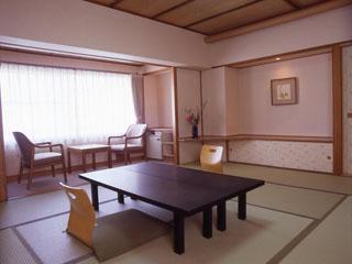 ガーデンホテルオリーブ 落ち着いた和室はファミリーにもおすすめ