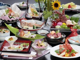 鳥羽シーサイドホテル 伊勢志摩の旬の食材をバランスよく取り入れたスタンダードな献立「薫コース」