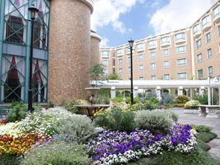 ロイヤルオークホテル スパ&ガーデンズ 四季折々の華花が咲き誇る7つのガーデン