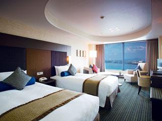 びわ湖大津プリンスホテル 520の客室から琵琶湖の眺望が楽しめるパノラマビュー