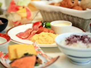ホテルモントレ京都 和洋の朝食バイキングで朝から元気に!