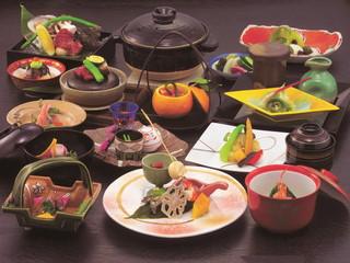 渡月亭 季節の食材を大切に真心込めて創る伝統の京会席料理