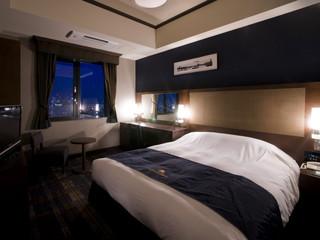 ホテルモントレグラスミア大阪 シングルルーム:シンプルで落ち着いたイメージのお部屋
