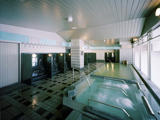 ホテルモントレ ラ・スール大阪 16階には地下1050mから湧き出る天然温泉があります