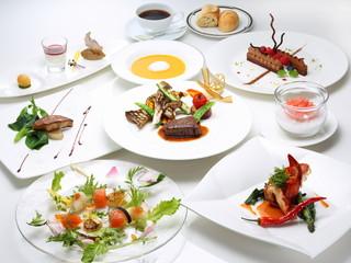 ホテルモントレ ラ・スール大阪 厳選された食材を使用したコースメニューをご用意。