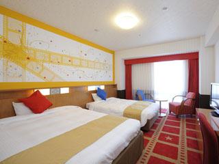 ホテル京阪ユニバーサル・シティ 「ハリウッドの映画の世界」をモチーフにした「赤」が基調のファミリーツインルーム