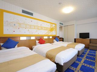 ホテル京阪ユニバーサル・シティ 「ハリウッドの映画の世界」の星条旗とフィムルをモチーフにしたトリプルルーム