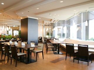 大阪ガーデンパレス 20名までの個室ブースのあるカジュアルレストラン