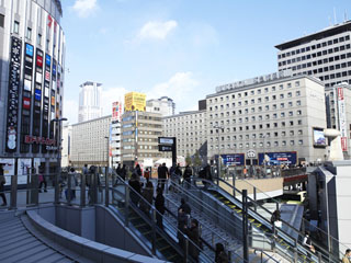 大阪新阪急ホテル JR大阪駅すぐ、阪急・地下鉄梅田駅直結の好立地!雨の日でも安心