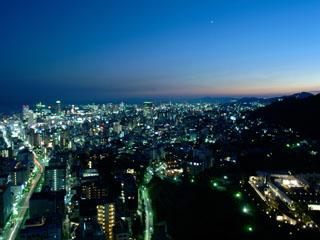 ANAクラウンプラザホテル神戸 美しく輝く、宝石を散りばめたような、神戸の1000万ドルの夜景が一望できる