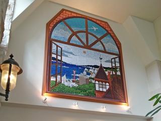 ホテルサンルートソプラ神戸 ロビー展示の「景観の美しい港町・神戸」はギネス認定のスパンコールモザイクアート