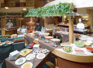 ホテルパールシティ神戸 様々な旬の味覚と素材を使った料理を楽しめるレストラン