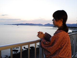 赤穂温泉 銀波荘 ロビーからの眺め。小豆島などの多島美が楽しめます