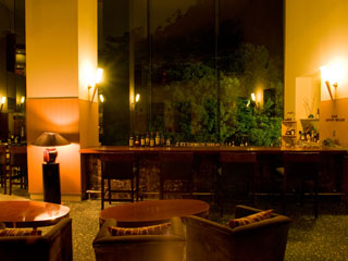 有馬温泉 月光園鴻朧館 オリジナルのカクテルを初め、ワインやシャンパンなど豊富にご用意致しております