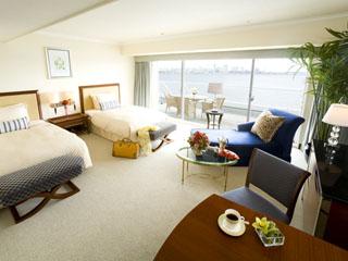 神戸メリケンパークオリエンタルホテル コンフィルラグジュアリーフロアのプレミアオーシャンツインルーム
