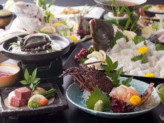 淡路インターナショナルホテル・ザ・サンプラザ 新鮮な海の幸、山の幸を使った会席料理(一例)