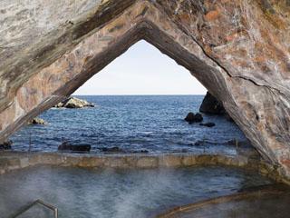 ホテル浦島 洞窟温泉 忘帰洞