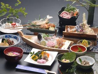新祖谷温泉ホテルかずら橋 すべて手作りの祖谷の郷土料理です