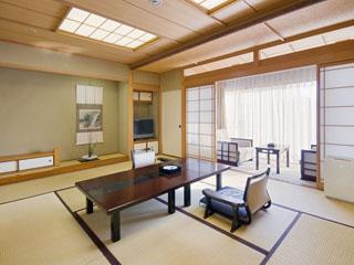 数寄屋造りの落ち着きのある和室