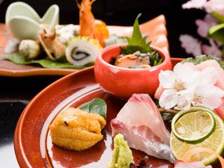 高知城下の天然温泉三翠園 新鮮な土佐山海食材を使った土佐料理でおもてなし