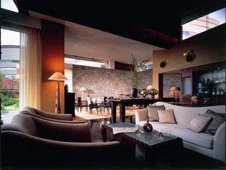 グランド ハイアット 福岡 エグゼクティブフロアの専用ラウンジでは、朝食やカクテルタイムなど軽食を楽しめる