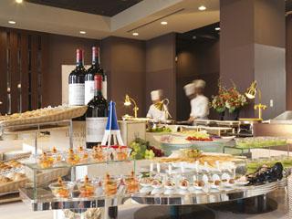 ホテルアムステルダム 九州一円の食材を使った、和洋中バラエティ豊かなメニューが揃う