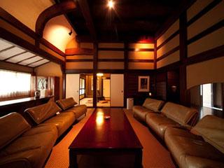 山荘無量塔 全12室それぞれ違う個性的な客室(明治リビング)