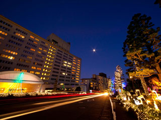 杉乃井ホテル本館 ホテル前を彩る72万84球のイルミネーション