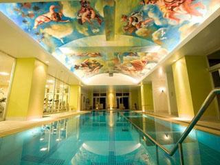 SPA RESORT EXES(スパリゾートエグゼス) 温水のプールで通年ご利用頂けます