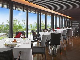 カフーリゾートフチャク コンド・ホテル 沖縄の食材をシェフのアレンジでお愉しみください