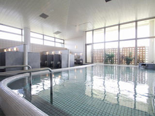 アートホテル石垣島 地下水を汲み上げ、ろ過した超軟水。石垣島でトップクラスの広さを誇る大浴場