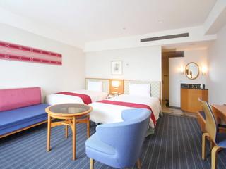 アートホテル石垣島 質の高い眠りと目覚めをお届けするシモンズのベッド。旅の疲れを癒す落ち着きの空間