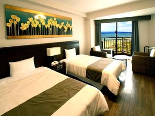グランヴィリオリゾート石垣島 グランヴィリオガーデン 青い海はもちろん竹富島や西表島を一望できる最高の眺望