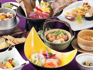 ホテルグリーンプラザ強羅 ホテル自慢のお食事グレードアップコース「四季の味覚」。季節ごとに楽しめます