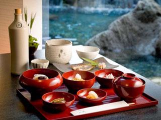 箱根翡翠 メインがお選びいただけるご朝食は、和朝食膳または洋風朝食膳をご用意