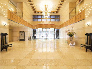 リゾートホテルリ・カーヴ箱根 南館フロントロビー