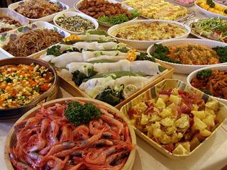 箱根強羅ホテルパイプのけむりプラス 夕食は約40種のバイキング形式