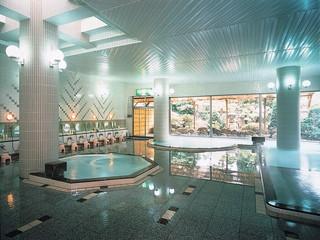 湯の川観光ホテル祥苑 広々した大浴場で心身共にゆったり癒して下さい。貸切展望露天風呂(有料)も好評です