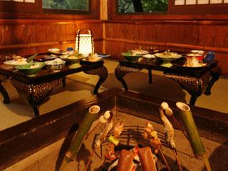 本家伴久 名物囲炉裏焼きと、創作会席料理をお召し上がり頂きます