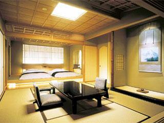 赤沢迎賓館 各部屋で異なる床柱は、貴重な一本木