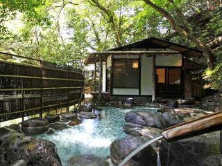 東府やResort&Spa-Izu 館内には6つの良質な温泉があり、湯めぐりのように楽しめる