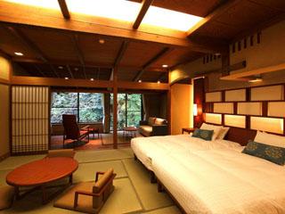 東府やResort&Spa-Izu ジャパニーズモダン和室:和のしつらえの中に快適に過ごせるよう環境が整う