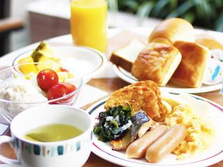 ハートンホテル北梅田 カフェ北野ガーデンでの和洋朝食バイキング