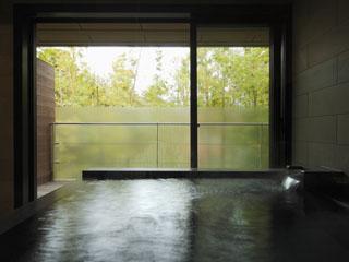 きたの風茶寮 露天風呂だけでなく、天候に左右されない展望風呂も魅力