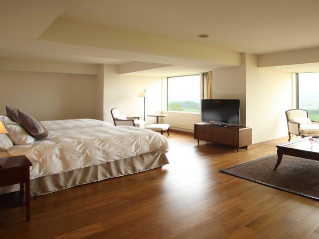 富良野リゾートオリカ 温もりを感じられる無垢材を使用したデラックスルーム