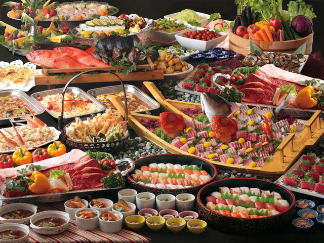 ライブキッチンでは栃木名物の焼き餃子も楽しめるバイキング