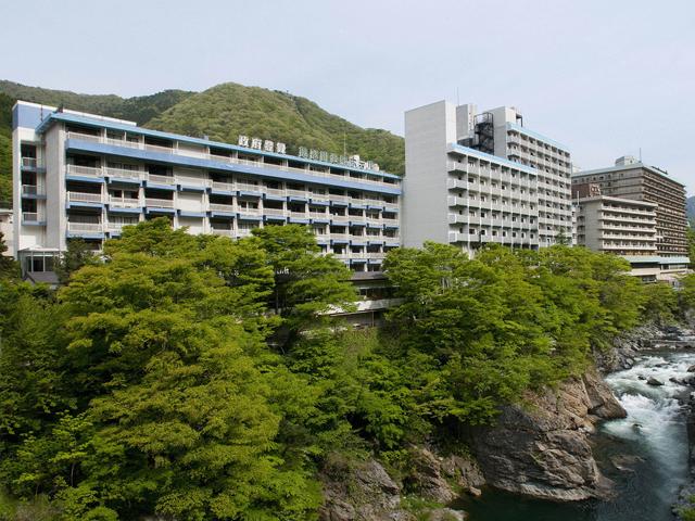 鬼怒川温泉ホテル 鬼怒川渓谷沿いに建つ老舗ホテル