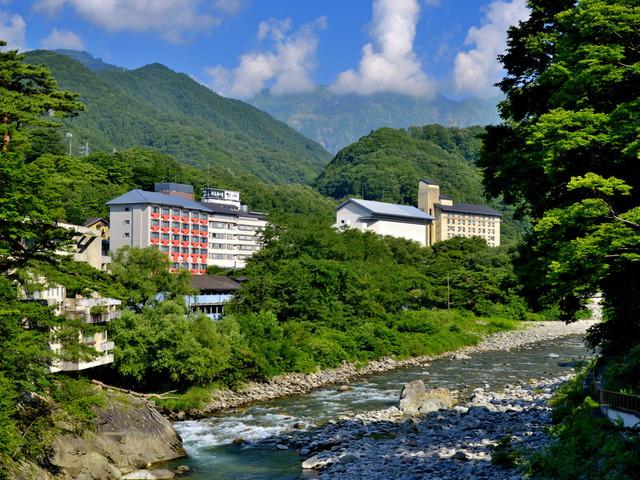 源泉湯の宿松乃井 雄大な谷川岳と利根川源流を望む尾瀬の玄関に位置する宿