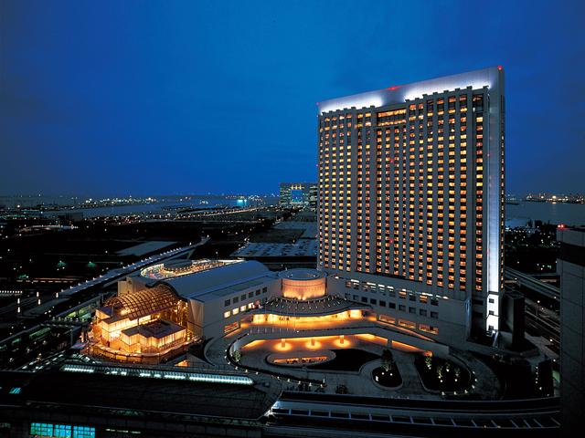 グランドニッコー東京 台場(旧:ホテル グランパシフィック LE DAIBA) 羽田空港方面の夜景。埠頭の夜景も楽しめる