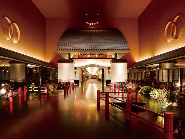 ホテル雅叙園東京(旧:目黒雅叙園) 「招きの大門」は、お客様をお迎えする当園の象徴